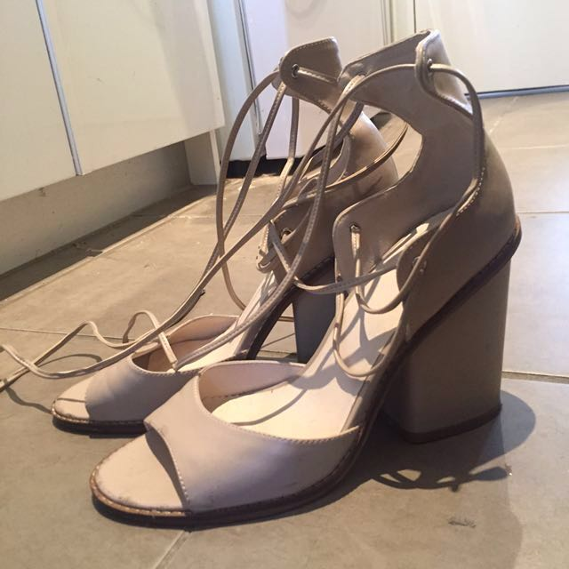LOVE - Creme grey heels lipstik