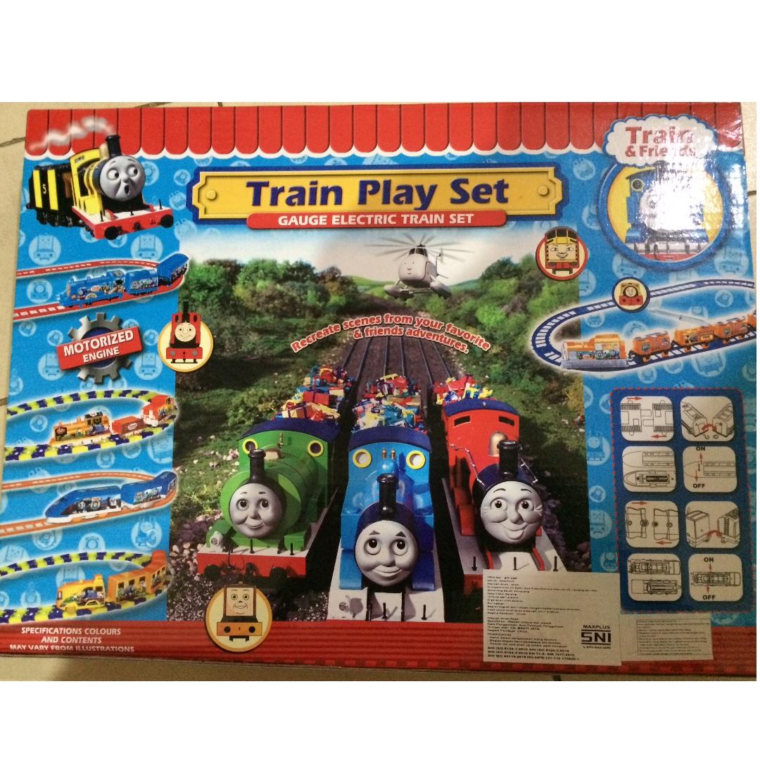 Mainan kereta api thomas