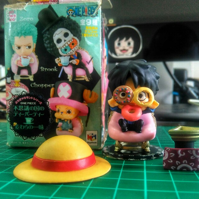 Monkey D Luffy Eating Doughnuts Toys Collectibles