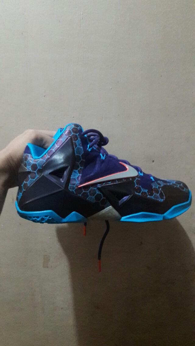 61f8ec5ab40eb Nike Lebron 11