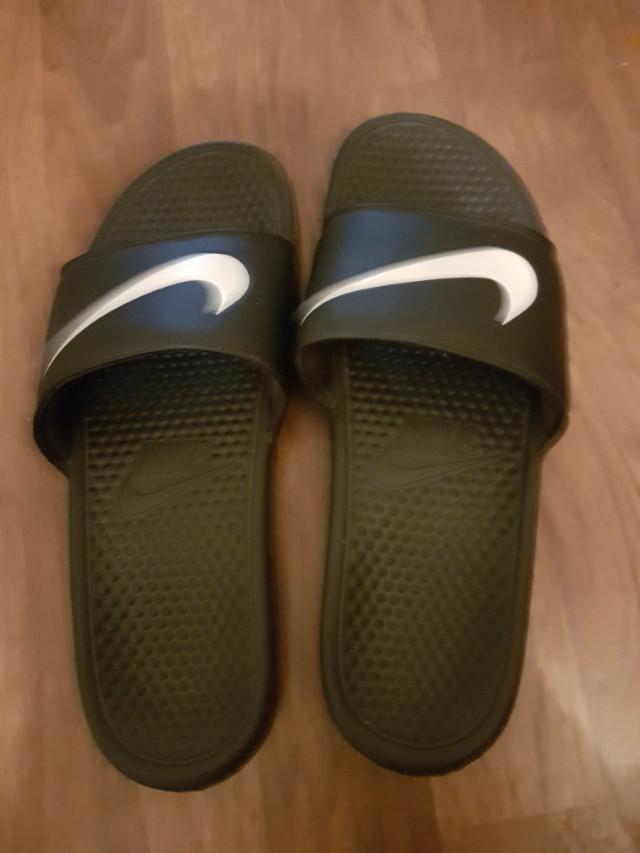 Nike size 13 flip flops