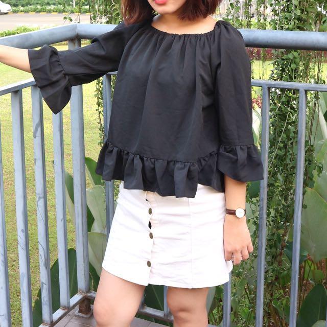 Sabrina black top