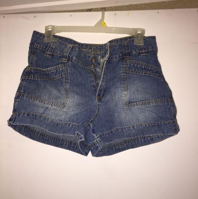 Size 6 Nevada shorts
