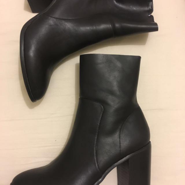 Sportsgirl black heel boots