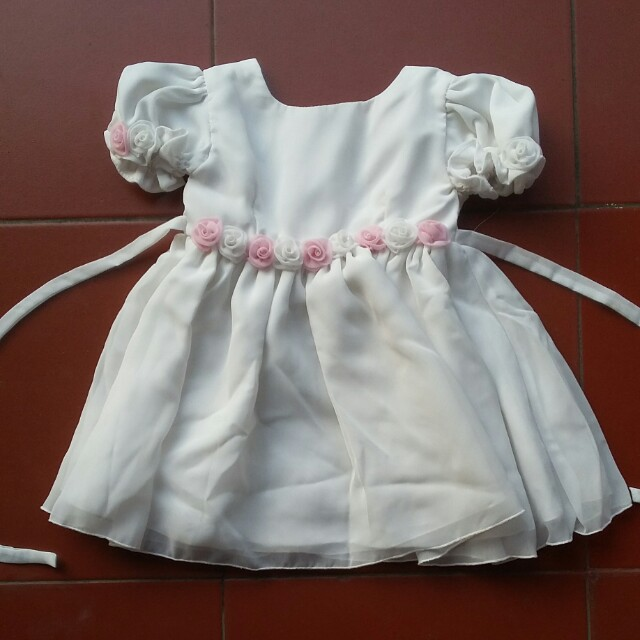 White gaun baby