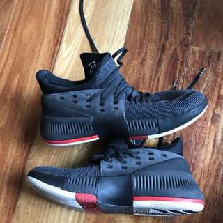 Dame 3 Basketball Shoes