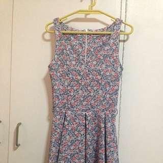 Pull & Bear Floral Dress