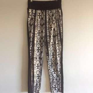 Black patterned high-waist pants