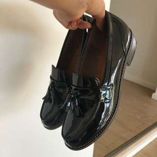 Tasseled Patent Loafers (Black)