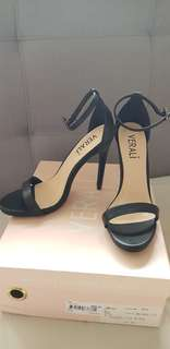 Verali Black high heels size 5.5