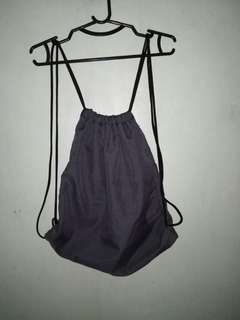 Drawstring bag (gray)