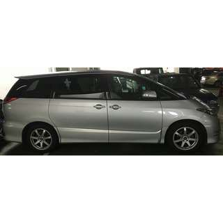 Toyota Estima With Sunroof & Moonroof