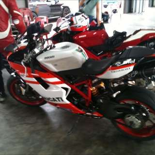 CHEAPEST Ducati 848evo IN WHOLE OF SINGAPORE (Reg 2011 Mileage 14000) WITH LOWEST MILEAGE