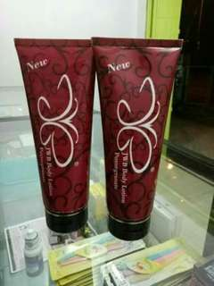 Red pome by jwb