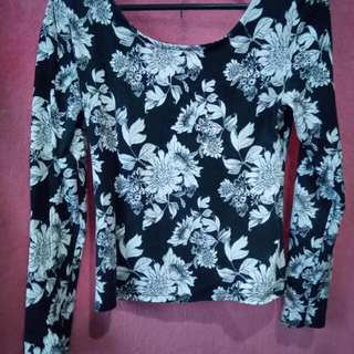 H&M Divided Black And White Printed Top