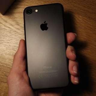 iPhone 7 matte black 128GB (99% new)