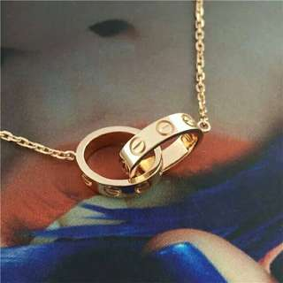 🚚 歐美潮流個性雙環相扣不鏽鋼玫瑰金項鍊