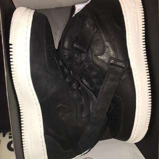 Air Force 1 - Nike - Black - Size 10