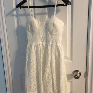 Women's Medium Sweetheart Dress