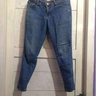 Celana Jeans Straight