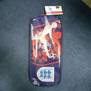 The FA 鞋袋