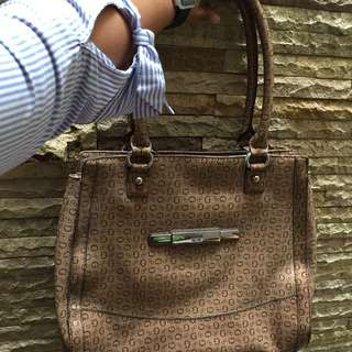 Handbag by guess