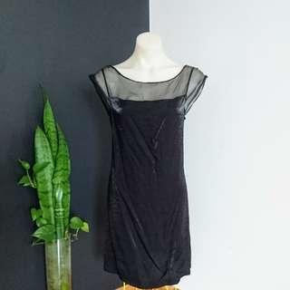 Women's size M (10-12)  Gorgeous Black cocktail shift dress,  Sheer neckline - AS NEW