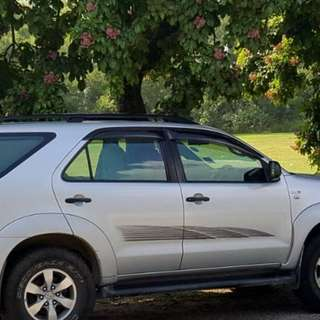 TOYOTA FORTUNER 2.5G MANUAL