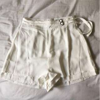 *REDUCED* White Highwaisted Shorts