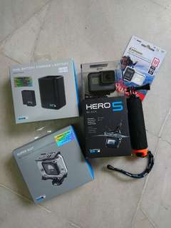 GoPro Hero 5 + accessories