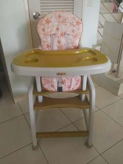 Baby dine Chair + reading table