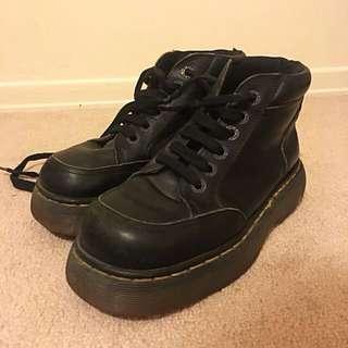Doc Marten's heavy duty waterproof boots (Sz 6 women's)