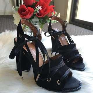 Alias Mae block heels