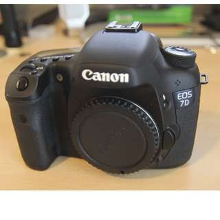 7d Canon body ( crop sensor )