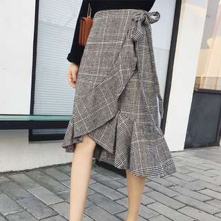 Grey trendy skirt in free size *ready stock