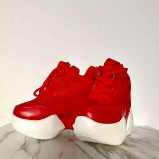 全新代售 34號 厚底內增高休閒鞋 含運