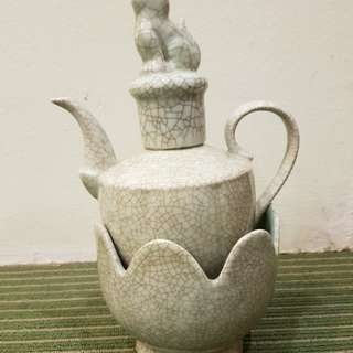Chinese celadon crackle Wine heater pot