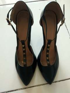 Karen&Chloe shoes 100% authentic