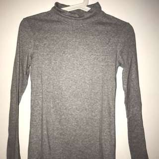 (only used once) Uniqlo turtle neck top