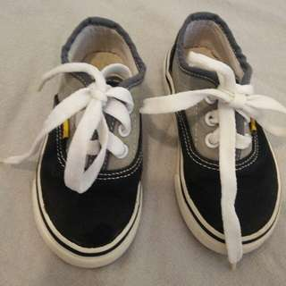Sneaker for kid (preloved shoes)
