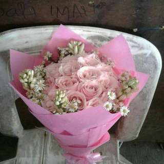 Buket Bunga Hadiah Ulang Tahun