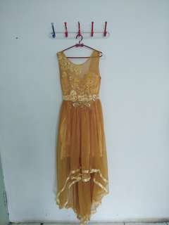 Dress pesta mermaid gold