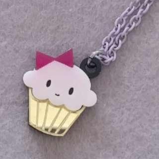Cupcake cute necklace 杯形蛋糕鏡面