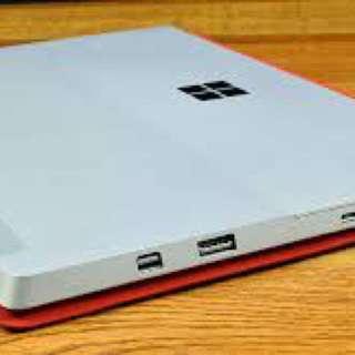 放 surface 3 128GB 連紅色KEYBOARD