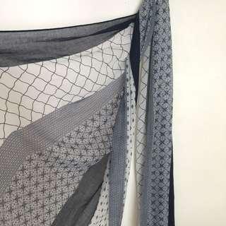 Light patterned scarf