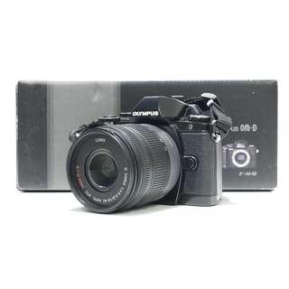 Olympus E-M10 + 14-42mm Lens