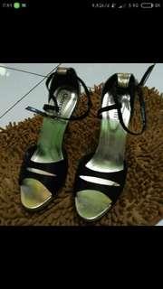 Jual cepat!! Black heels