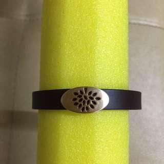 🚚 真皮橢圓簍空手環