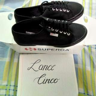 Superga classic size 12 almost bnew