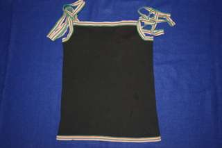Sleeveless with strip